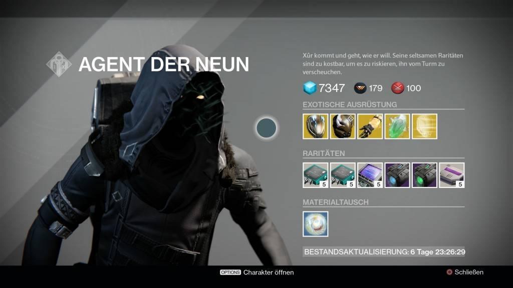 In seiner Eile scheint Xur ein Missgeschick unterlaufen zu sein, denn er brachte dieses Mal keine exotische Waffe mit. Dafür können sich die Jäger freuen: Der Himmlische Nachtfalke steht bei ihm zum Verkauf!